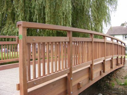 Type 2 Laminated Beam Footbridge Type EE Parapet